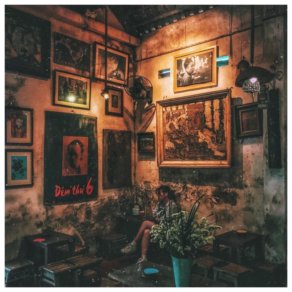 Ngõ nhỏ, phố nhỏ xuất hiện một Góc Cafe vintage năm năm tháng tháng vẫn ở đó!