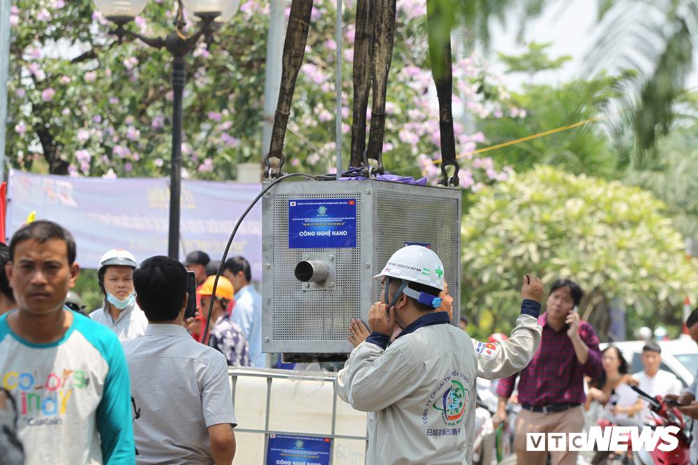 Ảnh 1: Làm sạch nước sông Tô Lịch - We25.vn