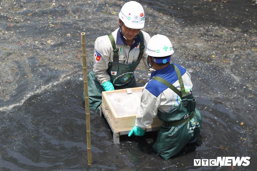 Ảnh 3: Làm sạch nước sông Tô Lịch - We25.vn