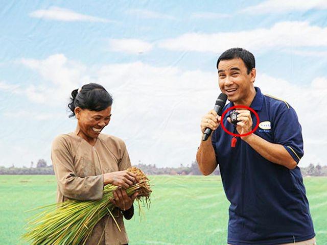 """Bị nói tham tiền, hóa ra MC Quyền Linh nhiều lần """"gian lận"""", nói dối bà con nông dân nghèo!"""