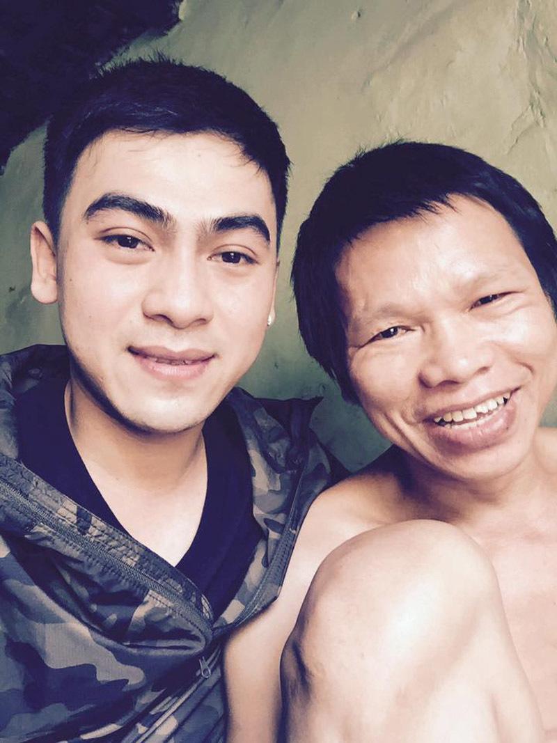 Ảnh 2: Cặp vợ chồng nghèo cưu mang anh chàng ăn xin - We25.vn