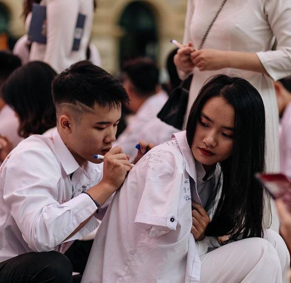 Ảnh 10: Lễ bế giảng của các trường THPT lớn nhất Hà Nội - We25.vn