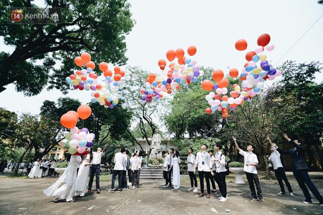 Ảnh 13: Lễ bế giảng của các trường THPT lớn nhất Hà Nội - We25.vn