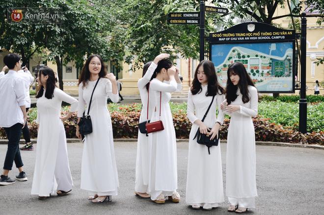 Ảnh 5: Lễ bế giảng của các trường THPT lớn nhất Hà Nội - We25.vn