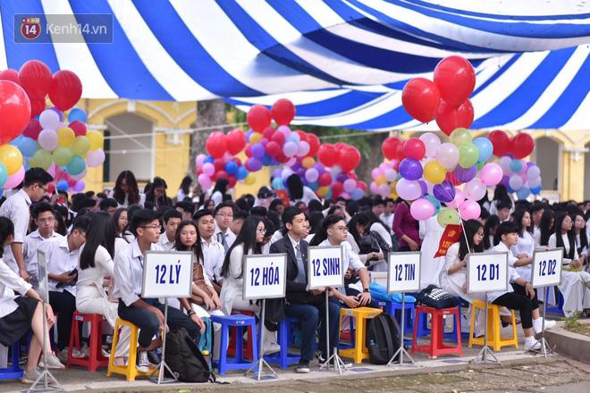 Ảnh 8: Lễ bế giảng của các trường THPT lớn nhất Hà Nội - We25.vn