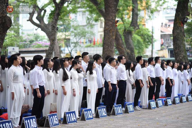 Ảnh 9: Lễ bế giảng của các trường THPT lớn nhất Hà Nội - We25.vn
