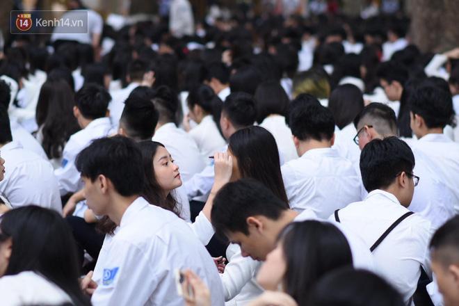 Ảnh 1: Lễ bế giảng của các trường THPT lớn nhất Hà Nội - We25.vn