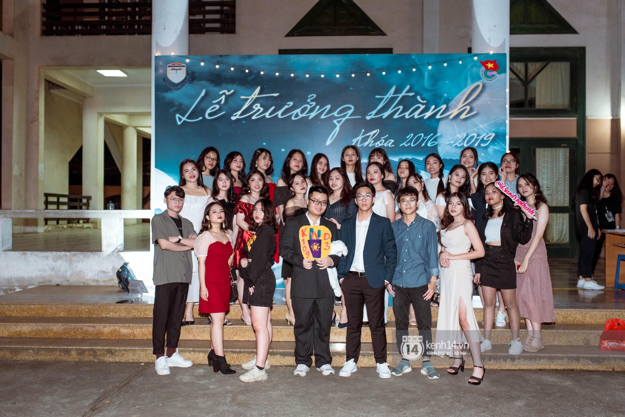 Ảnh 6: Tiệc trưởng thành trường Chu Văn An - We25.vn