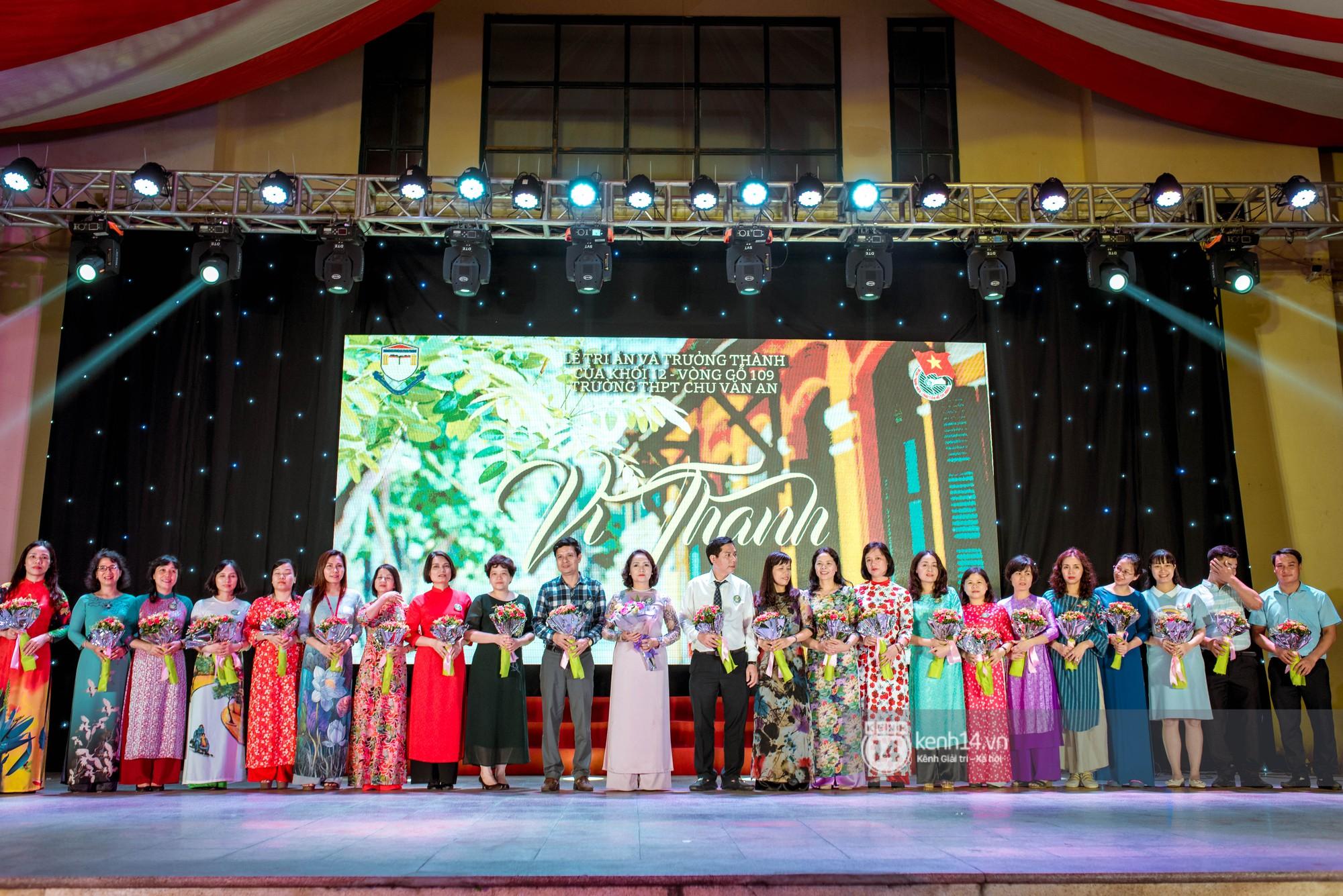Ảnh 8: Tiệc trưởng thành trường Chu Văn An - We25.vn