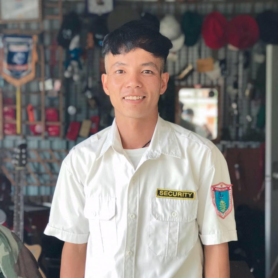 Ảnh 3: Bảo vệ đẹp trai - We25.vn