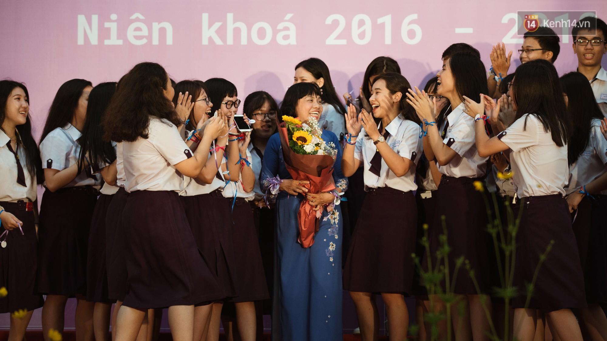 Ảnh 4: Học sinh trường Nguyễn Thị Minh Khai - We25.vn