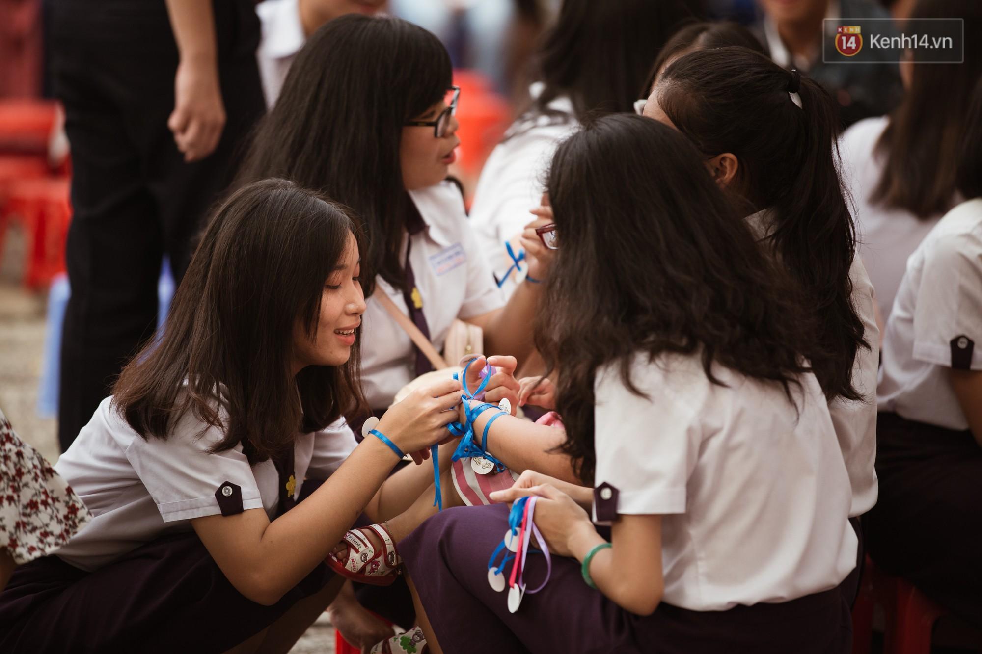 Ảnh 1: Học sinh trường Nguyễn Thị Minh Khai - We25.vn
