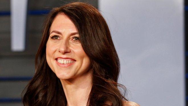 Nhận 37 tỷ USD sau vụ ly hôn đắt giá nhất thế giới, vợ cũ Jeff Bezos góp từ thiện một nửa