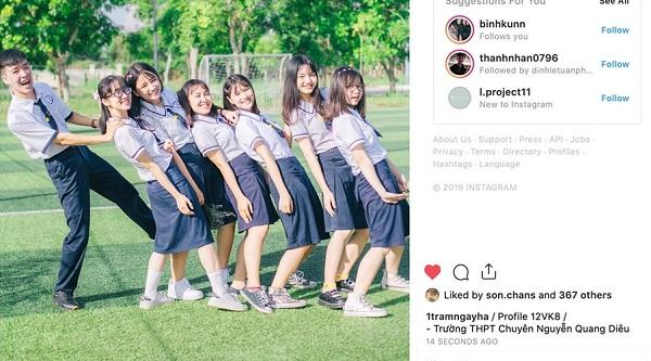 Tạo trang Instagram riêng để lưu ảnh kỷ yếu, lớp học gây sốt vì toàn gái xinh học giỏi