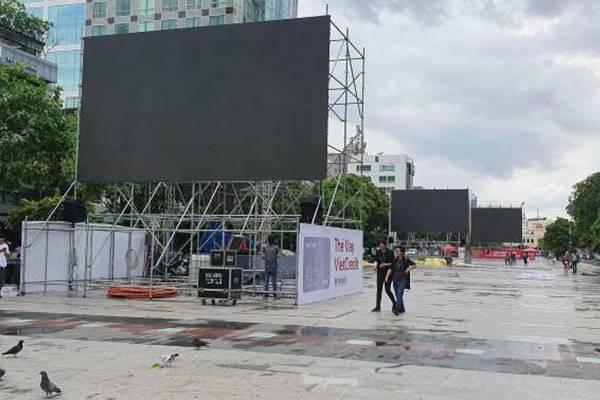 Chơi lớn nhất hôm nay: Sài Gòn dựng 5 màn hình khổng lồ miễn phí phục vụ King's Cup