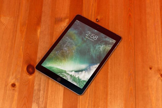 Ảnh 2: Mang iPad vào phòng thi quay cóp - We25.vn