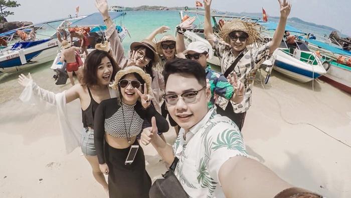 Checkin-holic: Thanh xuân 25 tuổi và những chuyến đi - Nguyễn Thu Trang