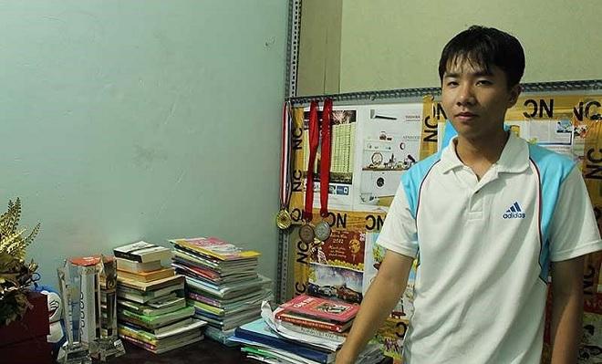 """Nguyễn Bá Vinh - Chàng trai """"siêu kỷ lục"""" Đường lên đỉnh Olympia: """"Game gì em cũng chơi"""""""