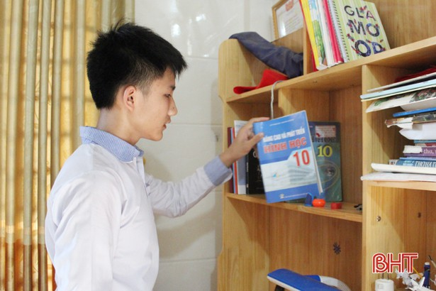 Ảnh 2: Thủ khoa đầu vào trường chuyên Hà Tĩnh - We25.vn