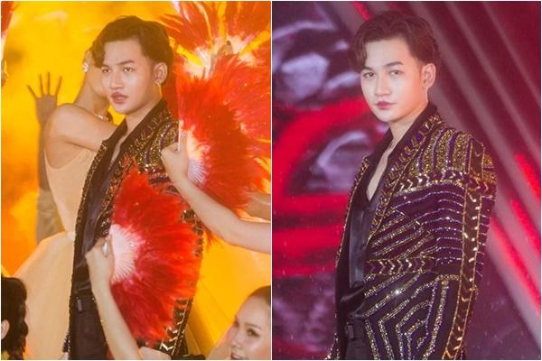 Sự cố sân khấu buồn cười nhất, Ali Hoàng Dương bất ngờ môi đỏ như Geisha chỉ vì dùng chung mic với đàn chị