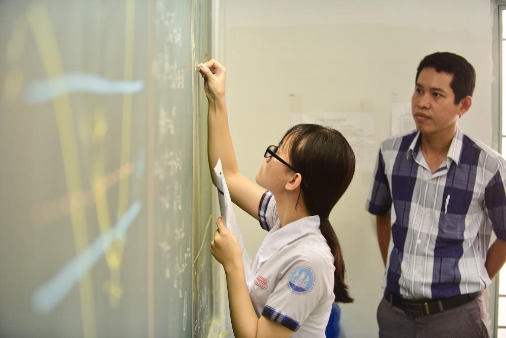 Ảnh 2: Ôn luyện kỳ thi THPT Quốc gia - We25.vn