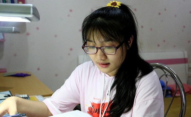 """Thủ khoa kỳ thi vào lớp 10 Hà Nội: """"Thành công không nhất thiết phải học trường chuyên"""""""