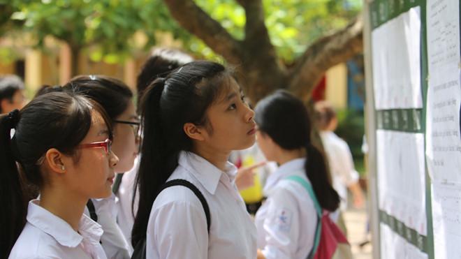 Tuyển sinh lớp 10 tại TP HCM: Hơn 8 điểm một môn mới đỗ, hệ không chuyên khó hơn hệ chuyên?