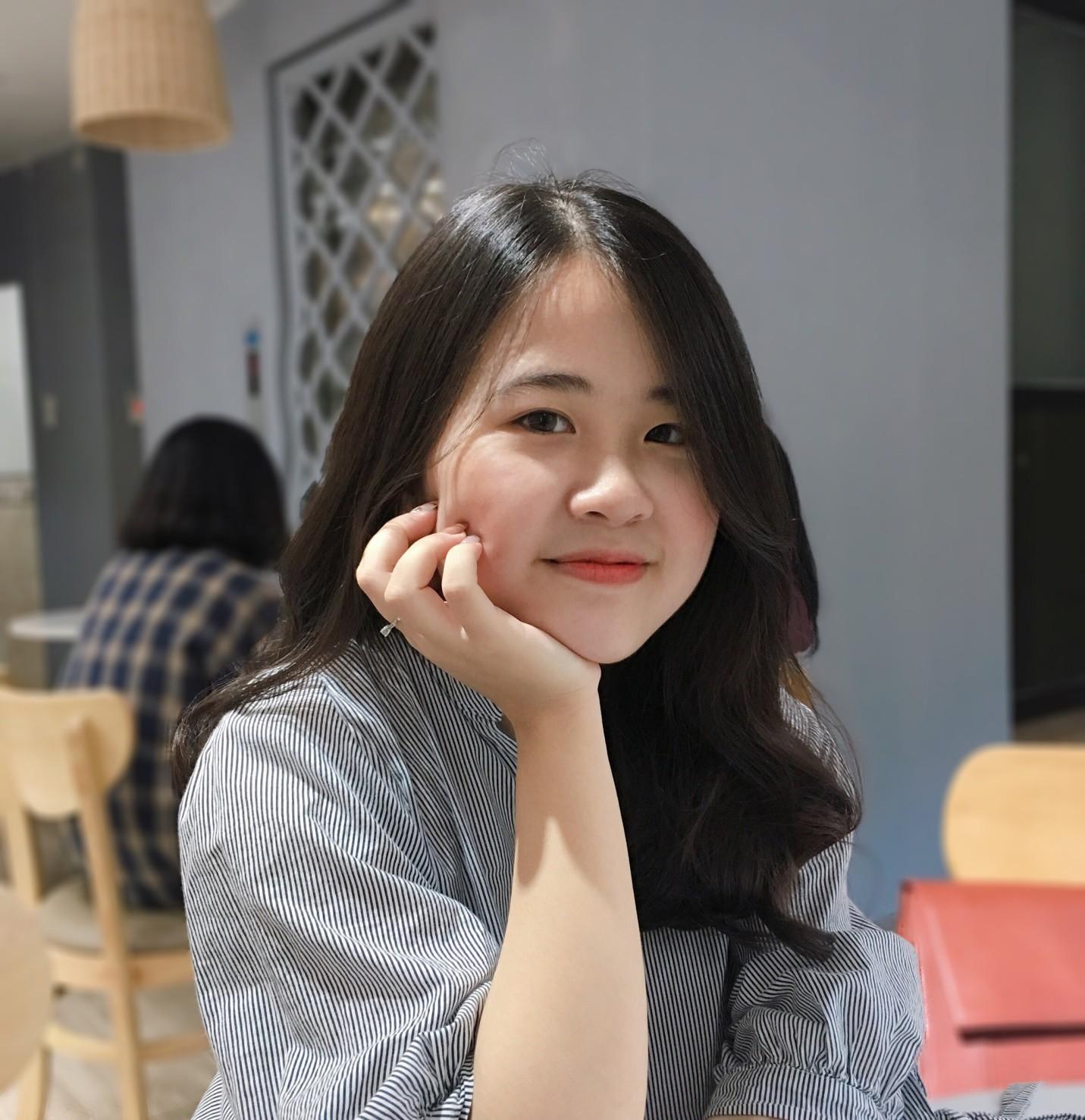 Ảnh 1: Nữ sinh trường chuyên Phan Bội Châu - We25.vn