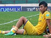 Phan Văn Đức chấn thương nghiêm trọng, nghỉ thi đấu hết mùa giải