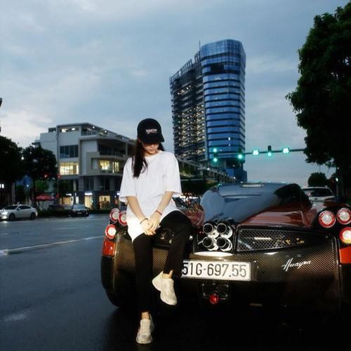 Ảnh 2: Bộ sưu tập siêu xe của nữ rich kid - We25.vn