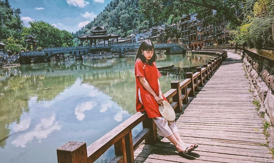 Checkin-Holic: Nên đi Trung Quốc một lần trong đời - Nguyễn Hồng Phượng Tú
