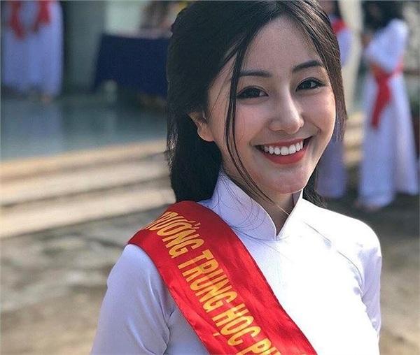 Ảnh 5: Làm bài thi THPT Quốc gia 2019 - We25.vn