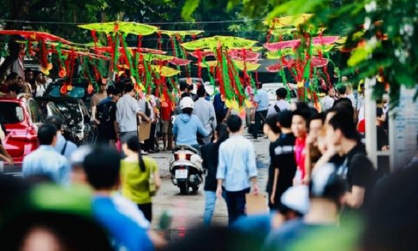 Trầm trồ với con đường diều rực rỡ sắc màu để chúc sĩ tử thi tốt của Đại học Kiến trúc