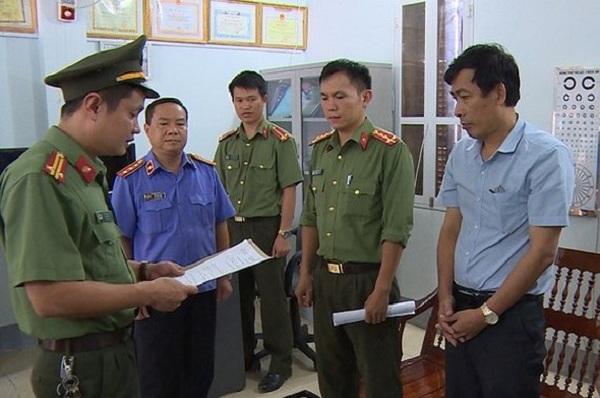 Khai nhận tiền trong vụ gian lận thi cử ở Sơn La, 2 đối tượng bị truy tố đến 10 năm tù