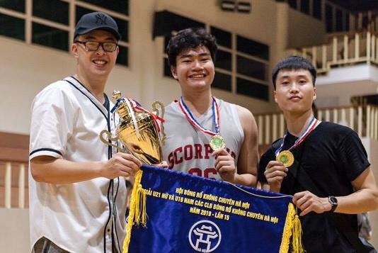 Nam sinh điển trai cao 1m83 trường Việt Đức sở hữu thành tích khủng môn bóng rổ, góp mặt tại Đại hội thể thao học sinh Đông Nam Á