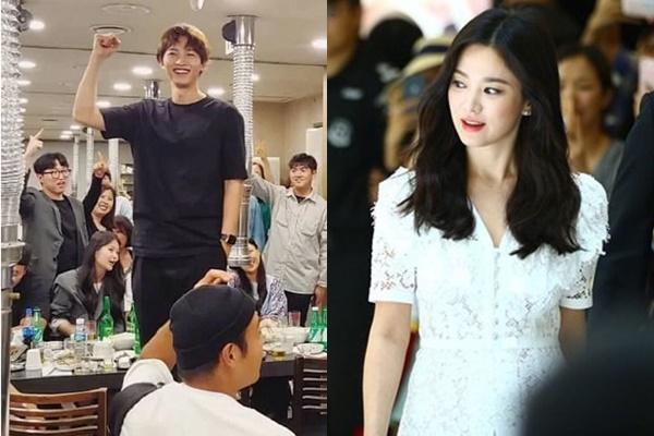 """Song Joong Ki phờ phạc đi làm sau khi """"chiến tranh lạnh"""" với Song Hye Hyo"""