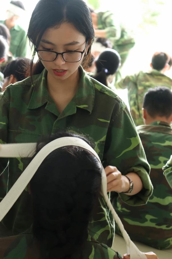 Ảnh 2: Nam thanh nữ tú ĐH Tôn Đức Thắng - We25.vn