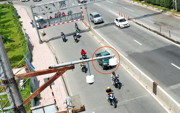 """25.000 ô tô bị """"phạt nguội"""" ở TP.HCM vẫn """"vô tư"""" lưu thông, CSGT sẽ bố trí thêm """"mắt thần"""" để xử phạt"""