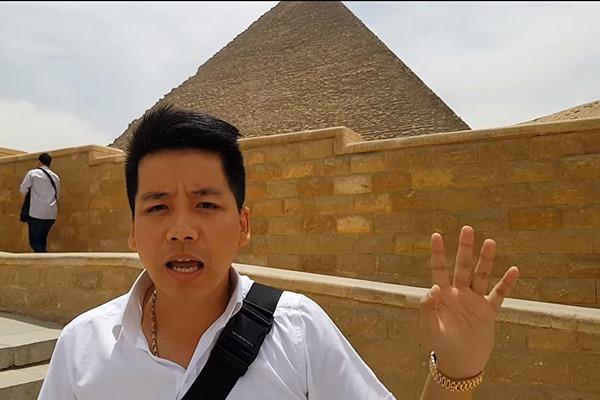 """Tuyên bố là Youtuber Việt Nam đầu tiên """"chịu chi tiền tấn"""" để review Kim Tự Tháp, Ai Cập, Khoa Pug bị """"bóc mẽ"""" bẽ mặt"""