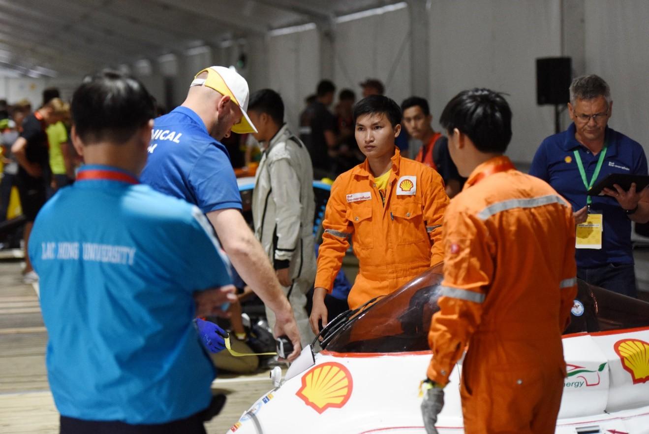 Ảnh 4: Đội LH-EST của ĐH Lạc Hồng - We25.vn
