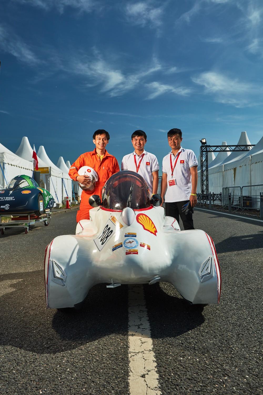 Ảnh 2: Đội LH-EST của ĐH Lạc Hồng - We25.vn