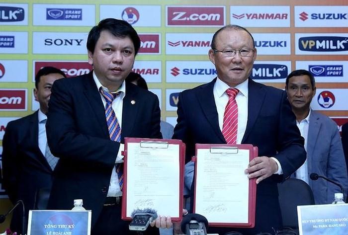 Trước thềm SEA Games 30, HLV Park Hang Seo chốt ký hợp đồng