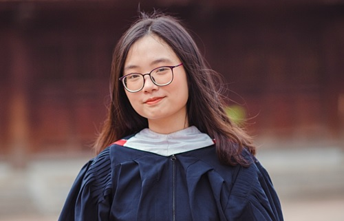 Nữ sinh 2k1 trường Ams trúng tuyển Đại học Yale - Trường Top 3 của nước Mỹ