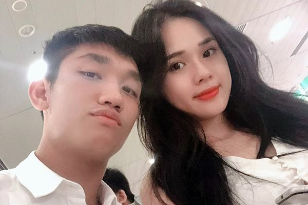 """Bất ngờ xóa """"sạch sành sanh"""" ảnh bạn gái hot girl trên trang cá nhân, Trọng Đại và Huyền Trang đã chia tay?"""