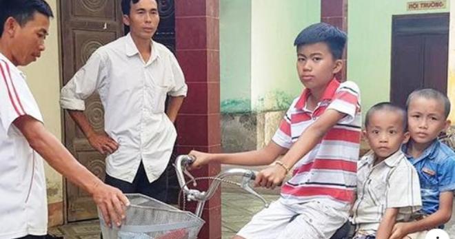Sau một ngày mất tích, ba anh em được tìm thấy đang ngủ bên vệ đường trong tình trạng hoảng loạn