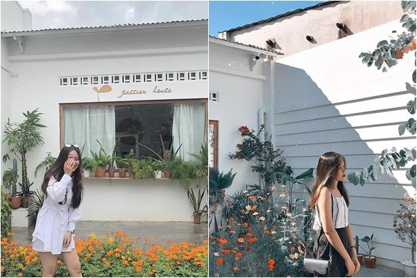 """Dắt tay nhau khám phá tiệm cafe """"cực phẩm"""" tone trắng tinh ngay sát Sài Gòn"""