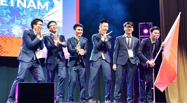 Việt Nam đạt 6 huy chương Olympic Toán quốc tế, tiến 13 bậc vào Top 10 quốc gia đứng đầu