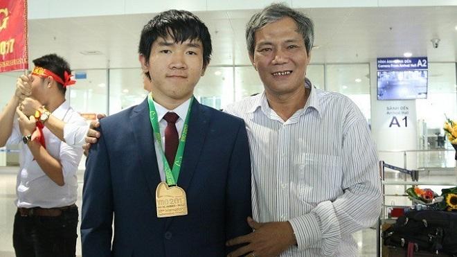 Sau 2 năm đạt điểm cao nhất thế giới tại kỳ Olympic Toán quốc tế, nam sinh Bà Rịa - Vũng Tàu sang Singapore du học