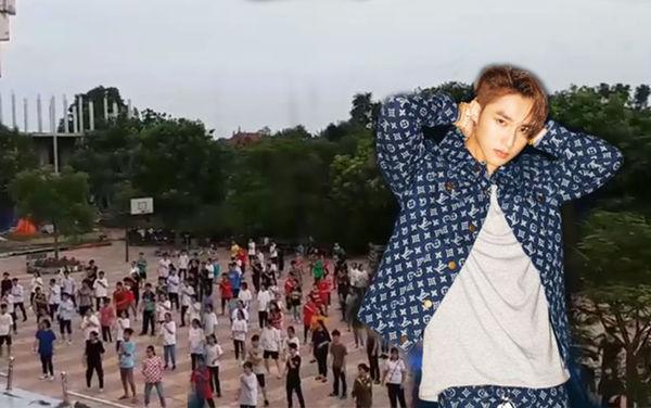 """Trường """"người ta"""" tập thể dục trên nền nhạc MV """"Hãy trao cho anh"""" của """"Sếp"""" thế này mới thật """"chất chơi"""""""