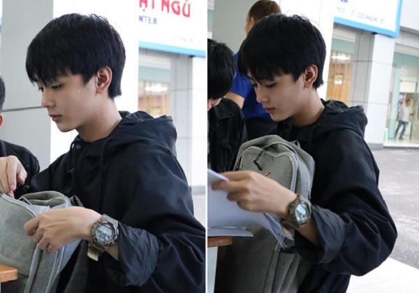Đi đăng ký xét tuyển đại học, nam sinh 2k1 bỗng chốc nổi tiếng MXH với góc nghiêng chẳng thua kém gì Idol Hàn Quốc